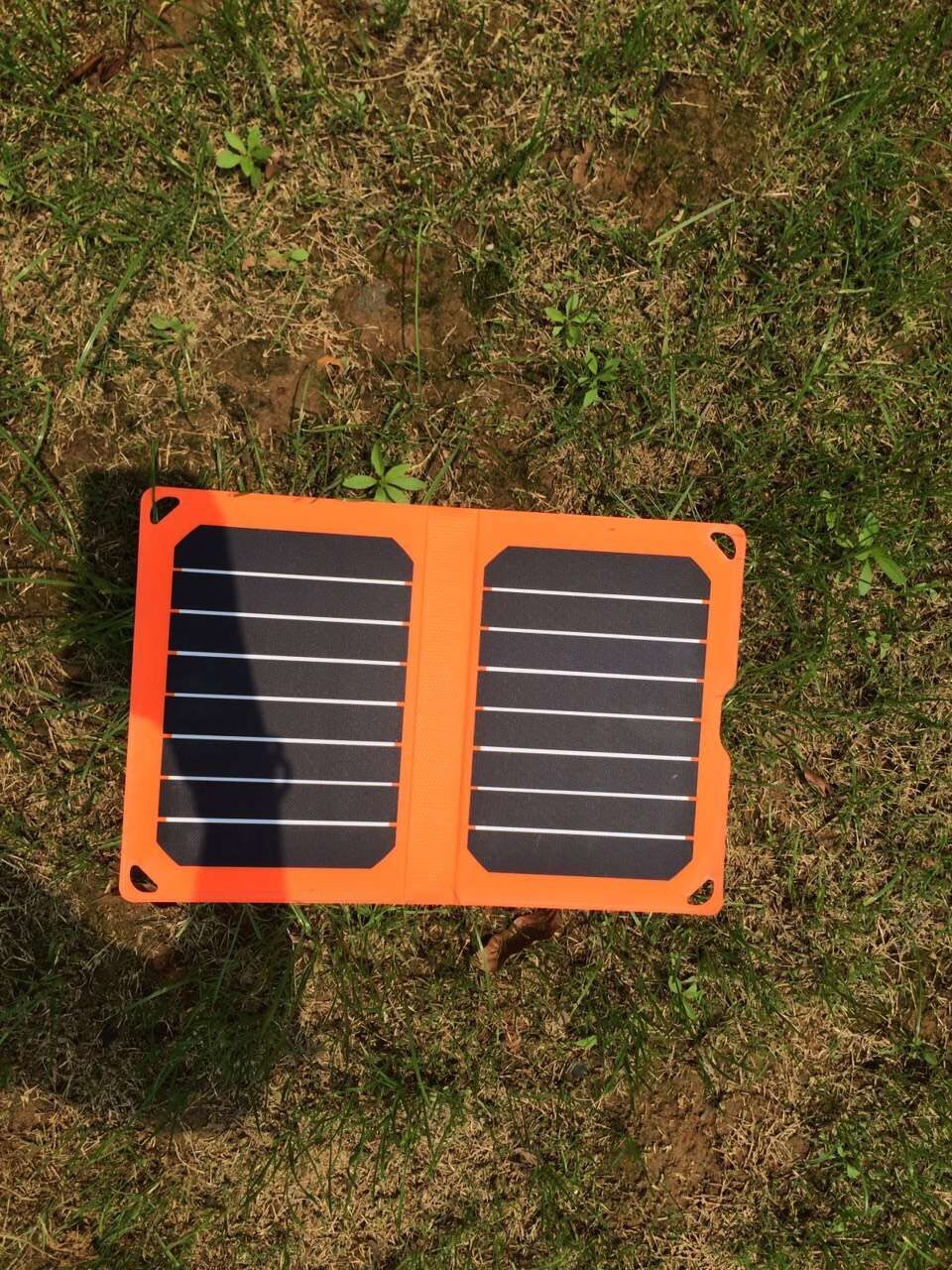 CLPSC-1603 PORTABLE SOLAR CHARGER
